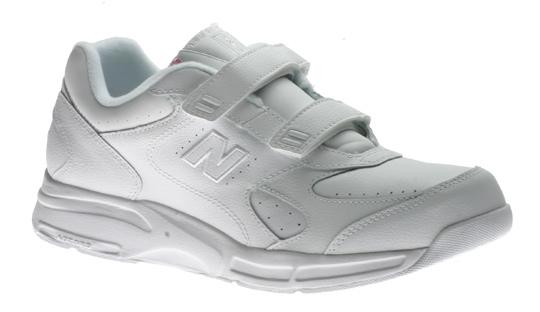 Aetrex Women's Walker V950. The Aetrex Voyage V950 Walking Shoes